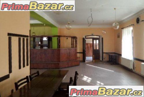 Prodej Multifunkčního domu s restaurací, obchodem,ubytováním a dvěma byty v Mikulovicích