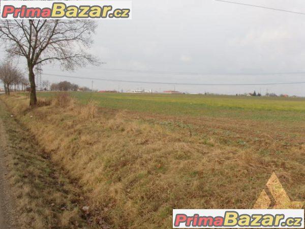 Pozemek-orná půda 5 327 m2 Zvole u Prahy, okr. Praha západ