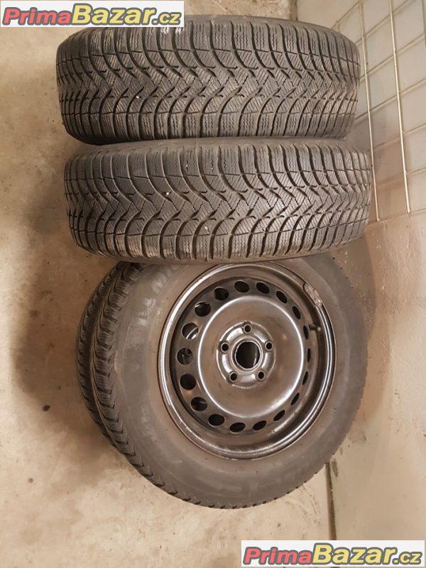 sada plechové disky VW Škoda 1K0601027t s pneu Michelin 5x112 6jx15 et47