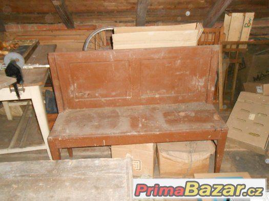 Lavice ze dřeva