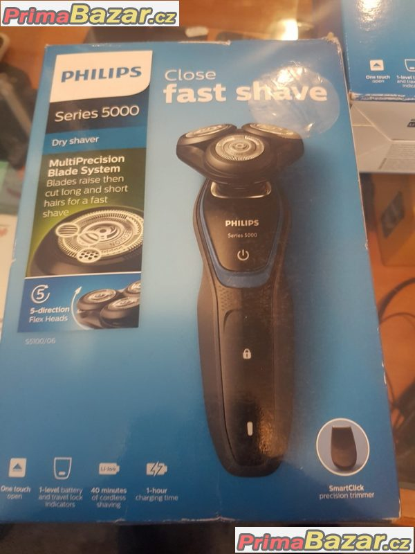 nový zabalený holící strojek Philips series 5000