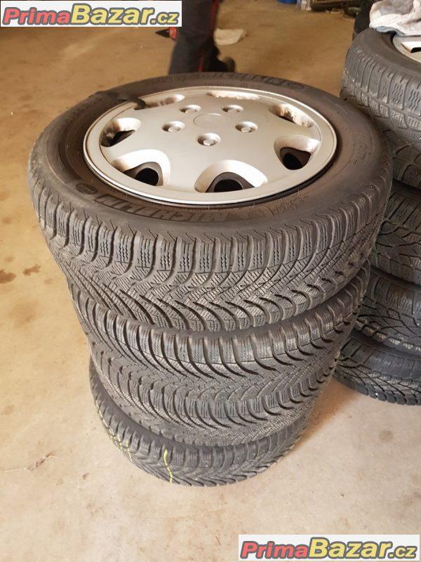 plechové disky s poklicema pneu Michelin Alpin A4 stred 57.1 8P0601027 5x112 6jx16 et50