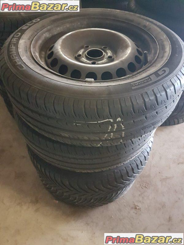 plechové disky s letni pneu 50% 3B0601027d 5x112 6jx15 et37