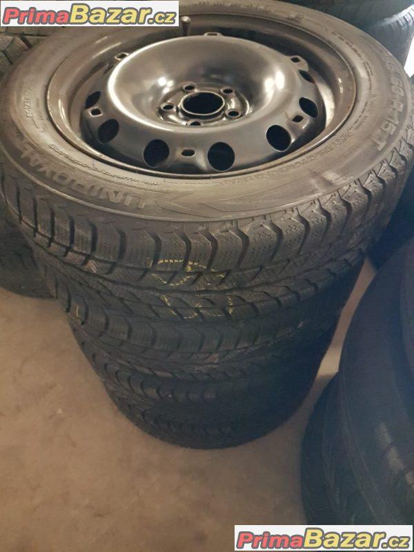 plechové disky s pneu Uniroyal VW 6R0601027 5x100 6jx15 et38