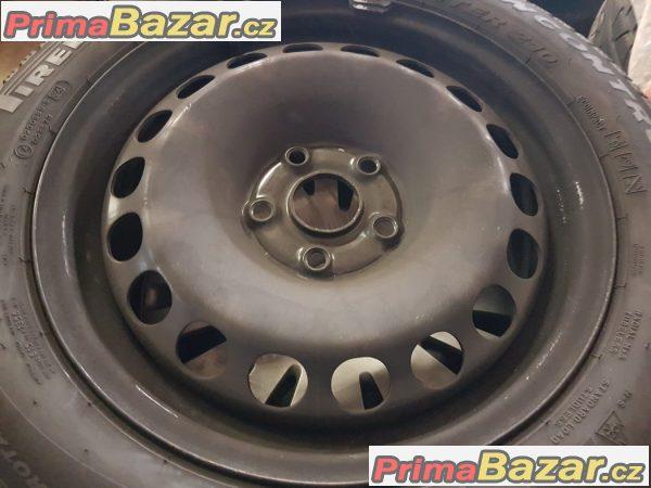sada plechy disky s pneu Pirelli 210 5x112 3C0601027be 6.5jx16 et42