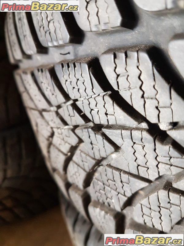plechove disky bez koroze s pneu Dunlop 4D 8V0601027A 5x112 6.5jx16 et43