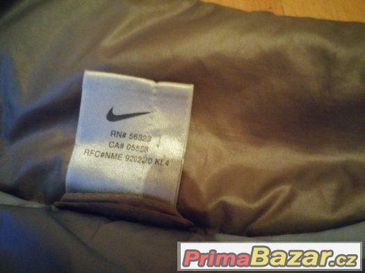 Bunda Nike