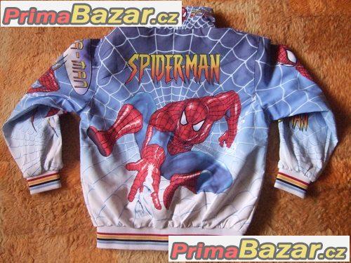 Úžasná bundička se Spider-manem
