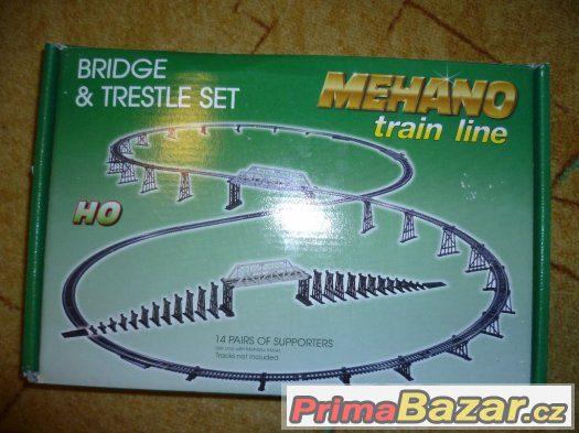 Železniční most kompatibilní s vlakovými sadami Mehano.