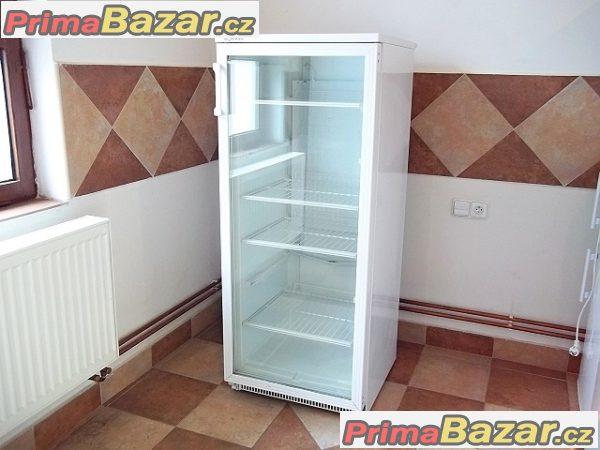 Prosklená lednice chladnice vitrína BOMANN