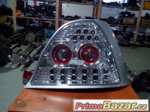 ZADNÍ ČIRÉ LED SVĚTLOMETY NA ROVER 200,25 A MG ZR