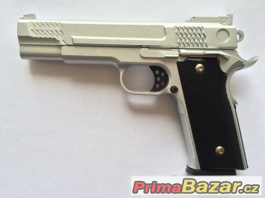 Airsoft celokovová replika pistole Colt M945