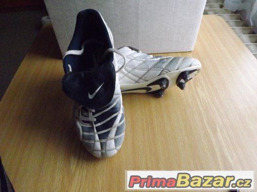Kopačky Nike vel. 42
