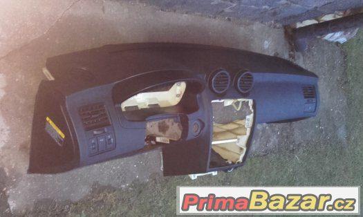 Palubní deska + airbag spolujezdce Hyundai Coupe GK od 2002