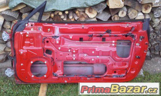 Hyundai Coupe RD 1996-2001 pravé dveře - červená barva