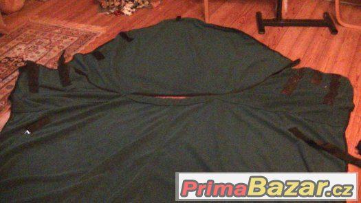 Prodám odpocovací deku s krkem