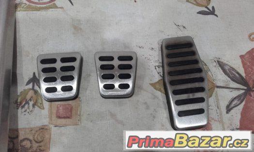 Nerezové pedály + odkládací plocha Hyundai Coupe GK