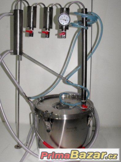 destilační přístroj