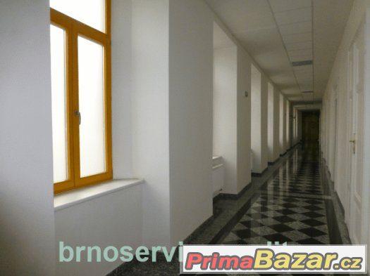 Pronájem dvou propojených kanceláří, Brno-střed