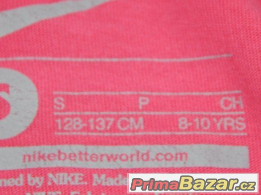 Dívčí triko NIKE vel. 128-137