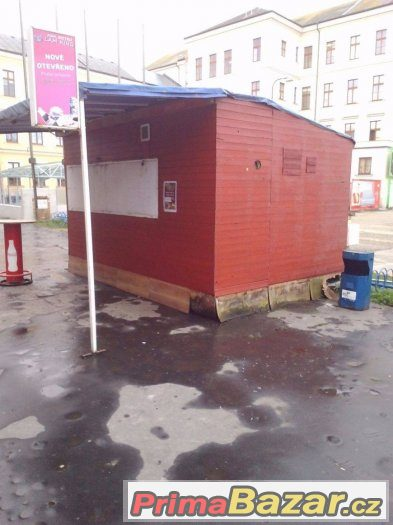 Prodám prodejní stánek na lukrativním místě v Českých Budějo