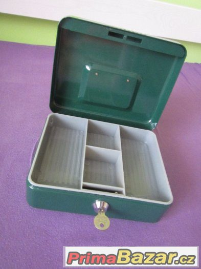 PŘÍRUČNÍ POKLADNIČKA CASH BOX