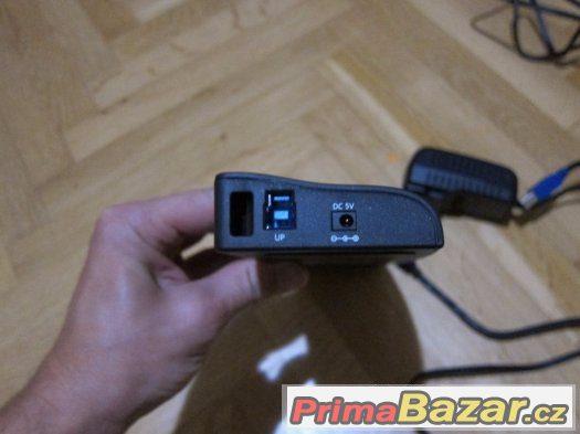 Univerzální dokovací stanice Asus, USB