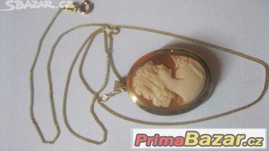 Prvorepublikovy zlaty set s kamejí rezanou v musli ve zlato