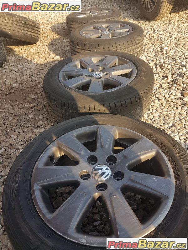 alu kola sada Volkswagen s pneu letni 3C0601025AE 5x112 7jx16 et
