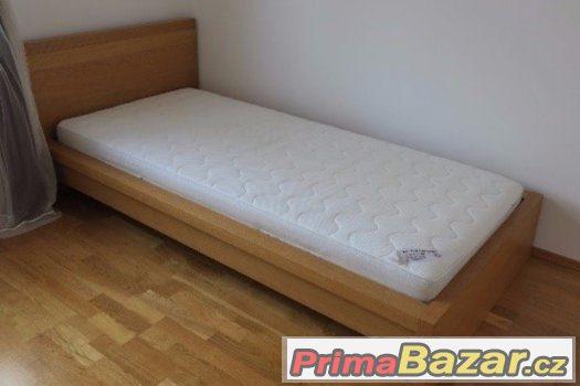 Masivní nepoužitá postel, záruka