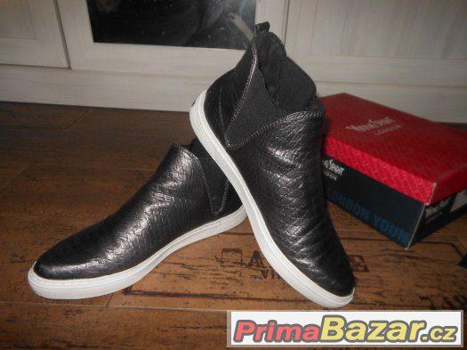 Slip on boty-vyšší- vel.41 9c596f3120