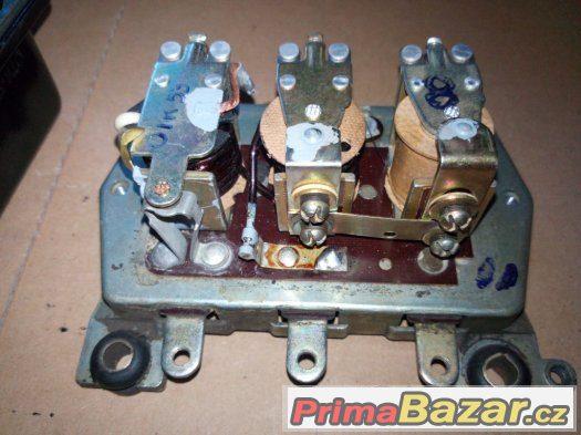 Regulátor napětí,  relé,  elektronický spínač ...