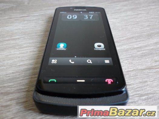 Nokia 700, 5MPx, Symbian, slot na microSD, stav nového tel.