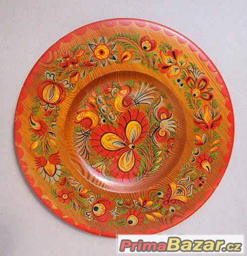 dřevěný, ručně malovaný talíř