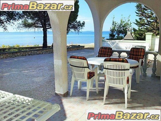 Apartmány 2kk s terasou 15m od moře - Chorvatsko
