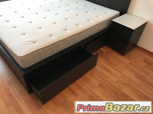 Postel s úložným prostorem + matrace, noční stolky 180x200