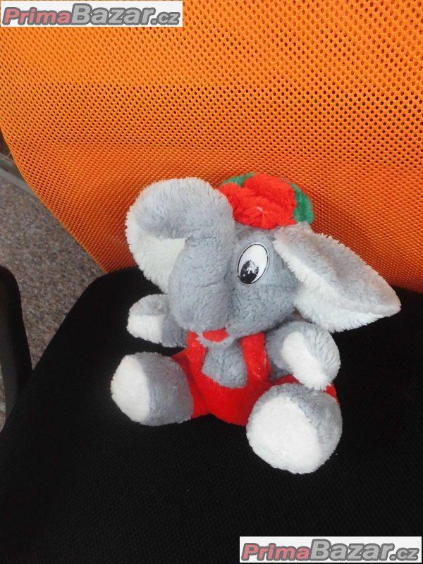 plyšový slon sedící