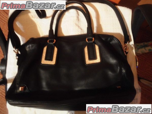 kabelka černá