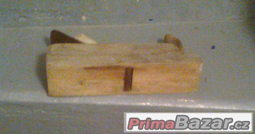 Hoblíky na dřevo staré, ale funčkní, malé, velké- macek
