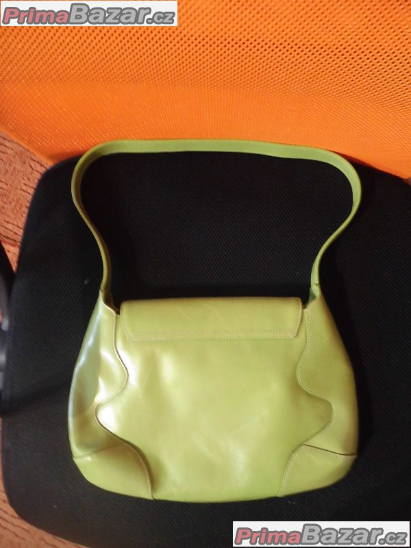 zelená kabelka