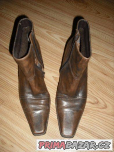 Dámské elegantní kotníkové boty zn. Lorenzetti vel č.38