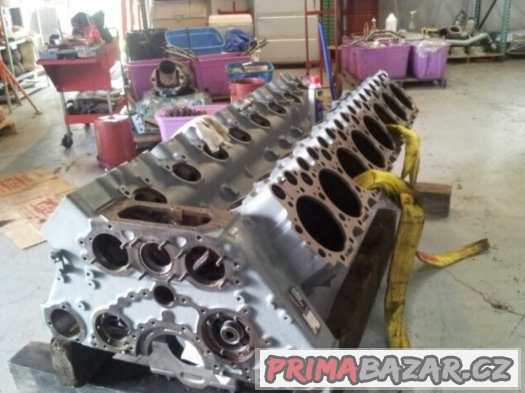 Motor V16