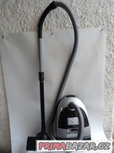VYSAVAČ NILFISK A100 1400W DÁNSKO PC 7800.-