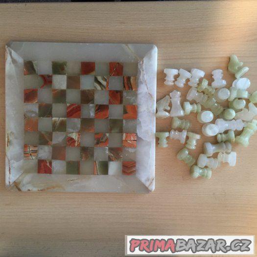 Onyxové šachy - ruční práce, nové