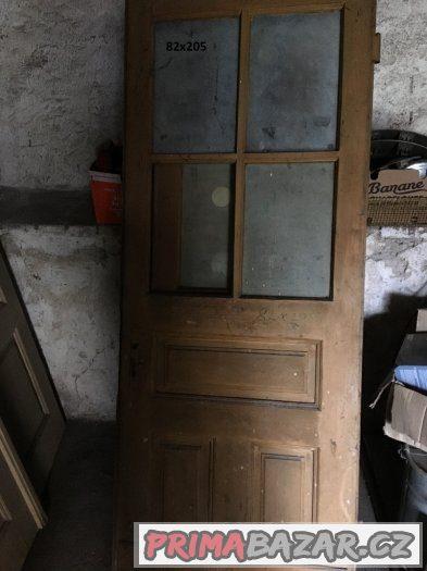 Prodám staré dveře