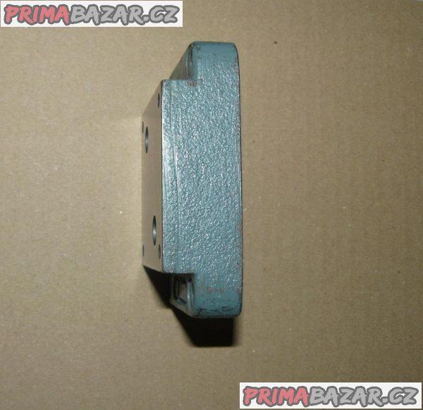 DESKA POD HYDRAULICKÝ VENTIL ( 90x60x25 mm )