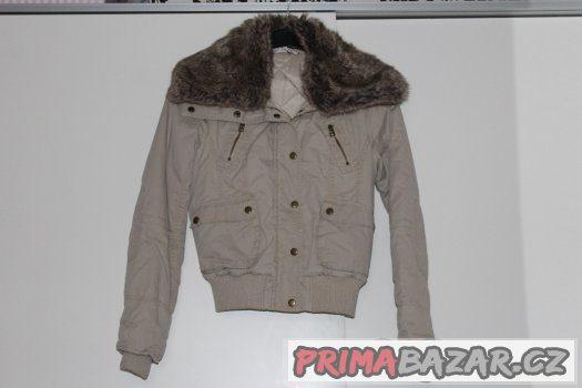 Dámská krátká bunda s kožíškem a s podšívkou Zara 43d4650503d