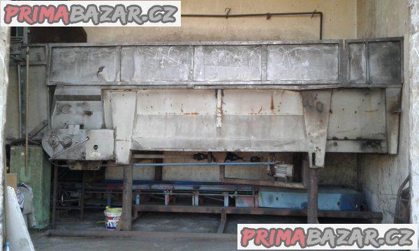 Násypkla na dřevní hmotu s dopravníkem RMA 8