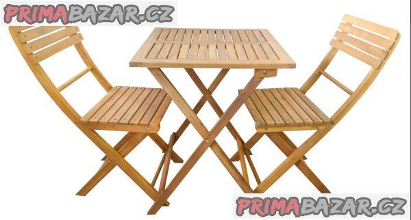Dřevěnýstolek a dvě židlez akácie