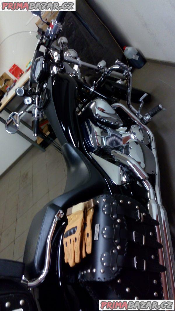 MOTO HONDA VT 1300 CX fury